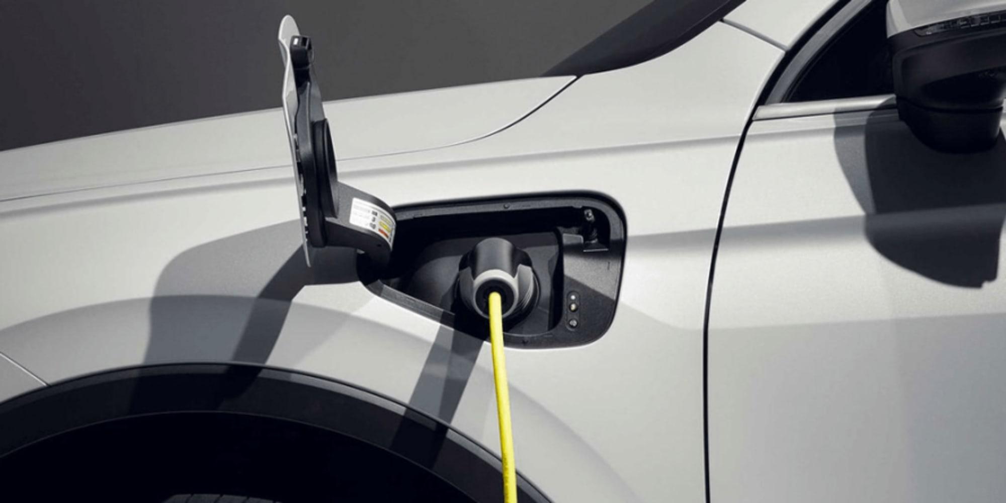 volkswagen-tiguan-ehybrid-2020-02-min-888x444[1]